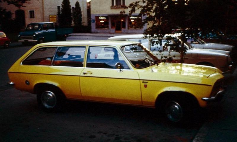 Opel_Ascona_A_Caravan.jpg